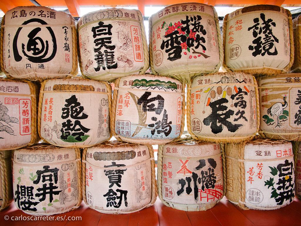 Sake para Itsukushima - Miyajima