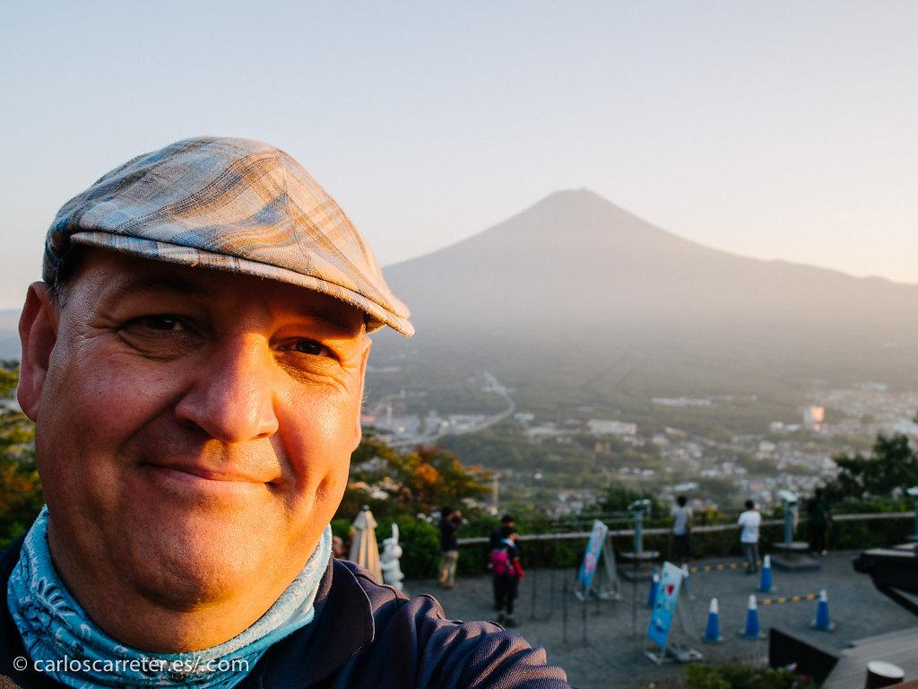 Autorretrato con Monte Fuji - Kawaguchiko